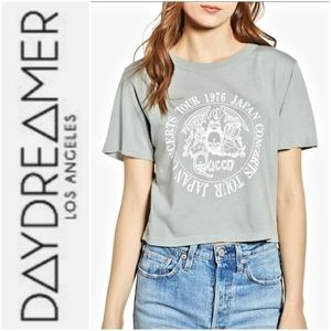 NWT💛DAY BY DAYDREAMER Queen Band Tour Crop Tee-S